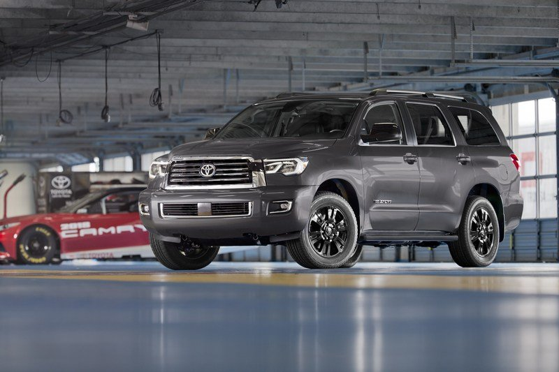 TRD Sport Package Brings Added Styling and Handling Upgrades to 2018 Toyota Tundra and Sequoia High Resolution Exterior - image 704882