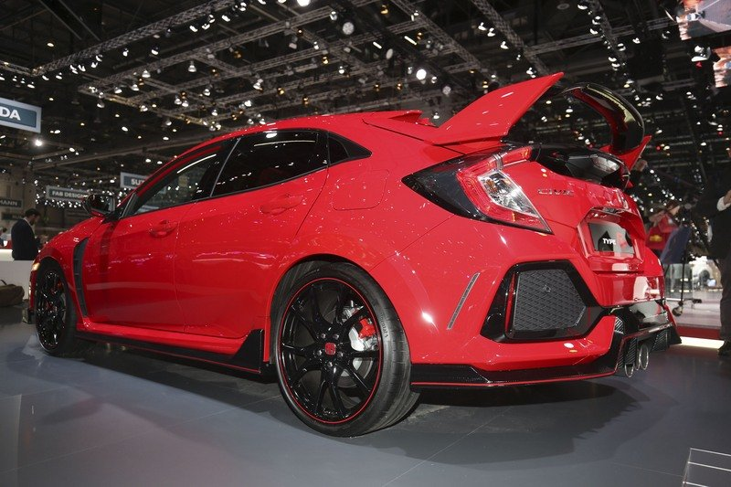 2017 Honda Civic Type R High Resolution Exterior AutoShow - image 710682