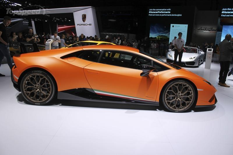 2017 lamborghini huracan perfomante review top speed. Black Bedroom Furniture Sets. Home Design Ideas