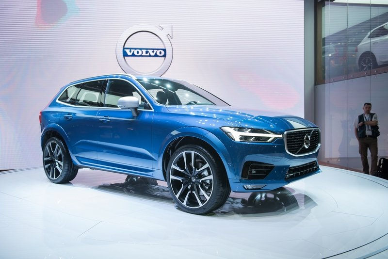 2018 Volvo XC60 High Resolution Exterior AutoShow - image 709480