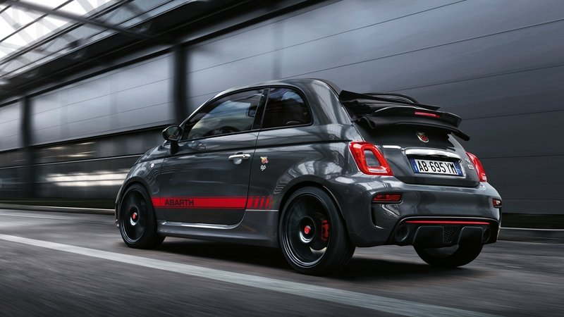 2017 Abarth 695 XSR Yamaha Limited Edition
