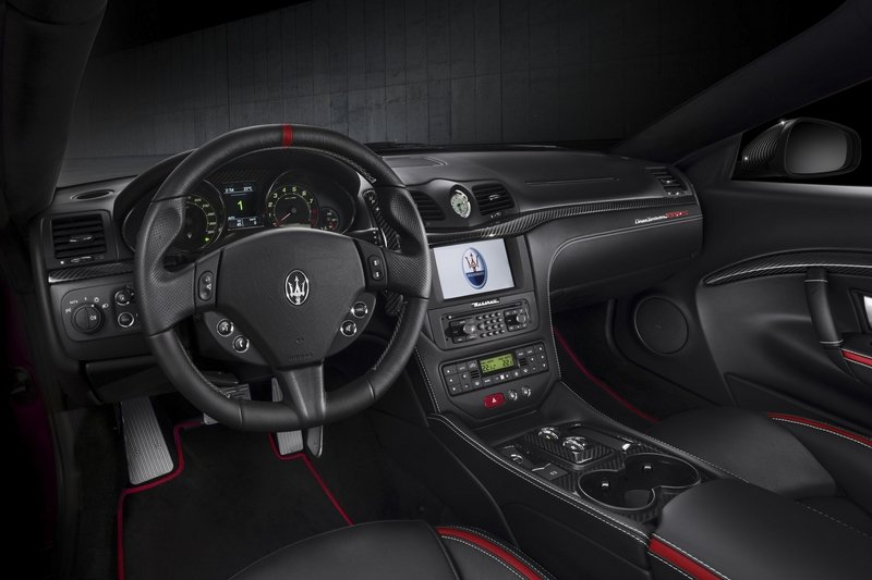 Maserati GranTurismo Clings to Life with New Sport Special Edition High Resolution Interior - image 709039