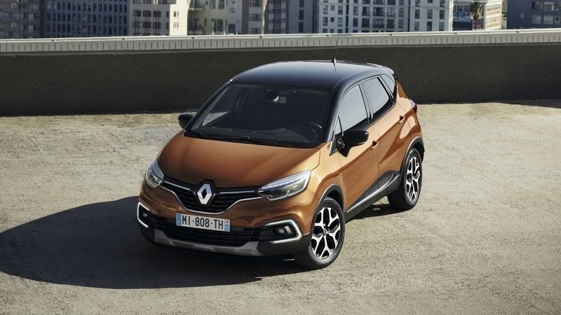 Renault Captur Gets Mild Tweaks and More Refined Interior