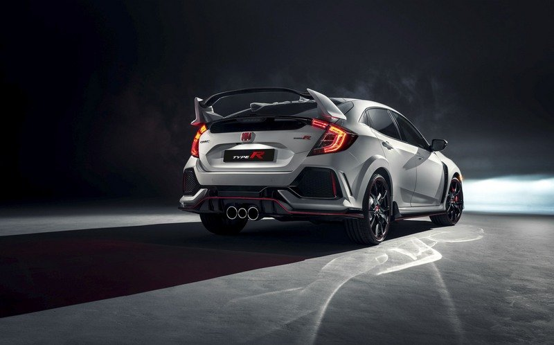 New Civic Type R Is Honda's Menacing Answer to the Focus RS High Resolution Exterior - image 708053
