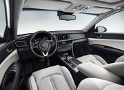 Kia Optima Sportswagon Plug-in Combines Cargo Space with Hybrid Engine - image 708743