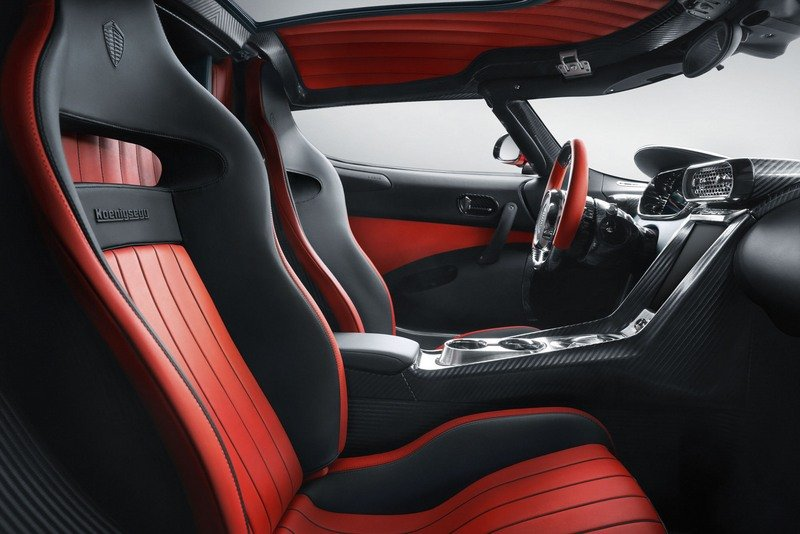 Koenigsegg Heads To Geneva With A Pair Of Regeras That'll Turn You Green With Envy And Red With Lust High Resolution Interior - image 707771