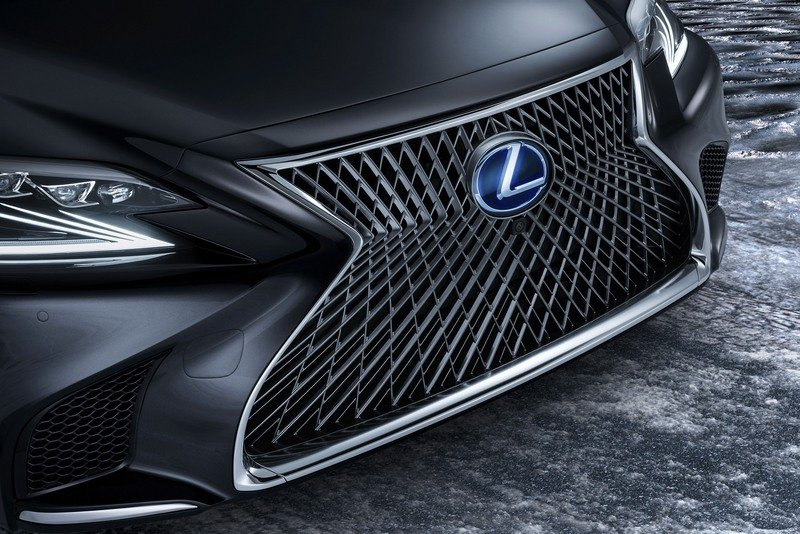 The 2018 Lexus LS 500h Is Further Proof That The Hybrids Are Taking Over High Resolution Exterior - image 708463