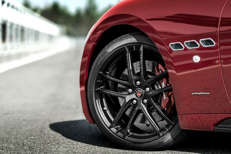 Maserati GranTurismo Clings to Life with New Sport Special Edition High Resolution Exterior - image 709007