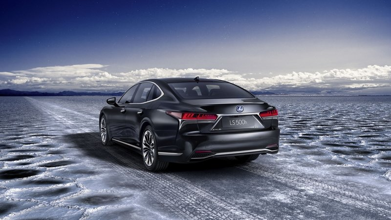 The 2018 Lexus LS 500h Is Further Proof That The Hybrids Are Taking Over High Resolution Exterior - image 708711