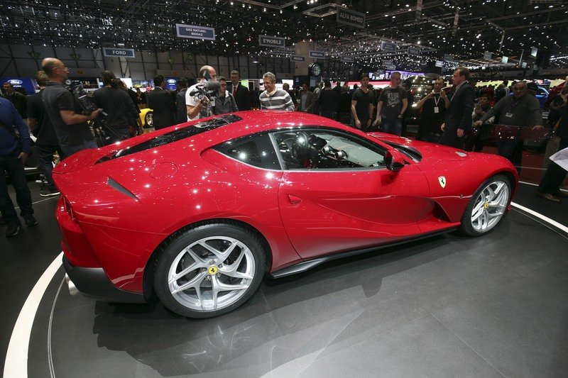 The Ferrari 812 Superfast Looks Like A Mix Of Modern Go-Fast Tech And Traditional Maranello Attitude