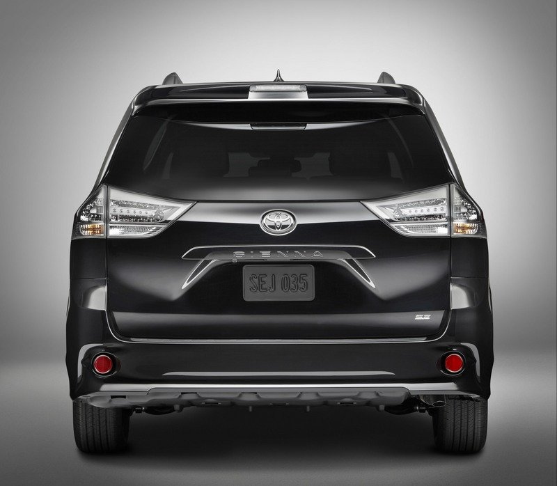 2018 Toyota Sienna High Resolution Exterior - image 711008