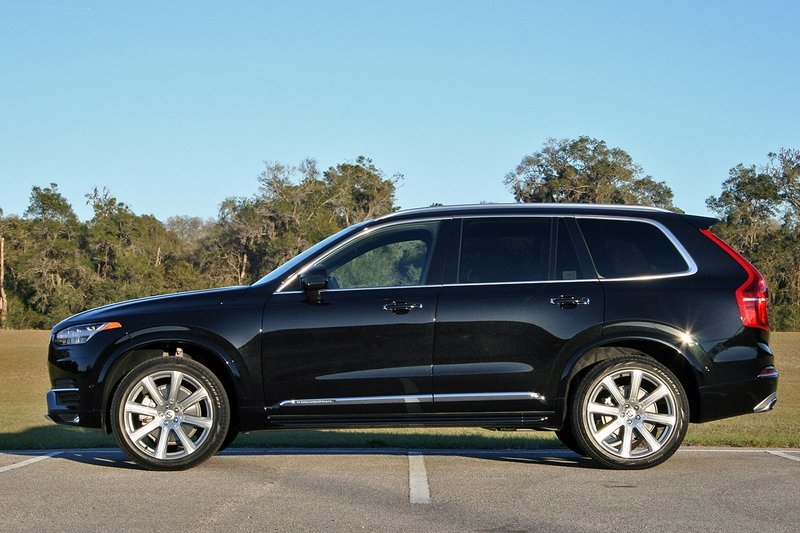 2017 Volvo XC90 T6 AWD Inscription – Driven High Resolution Exterior - image 707265
