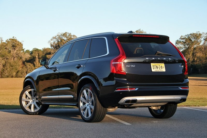 2017 Volvo XC90 T6 AWD Inscription – Driven High Resolution Exterior - image 707266