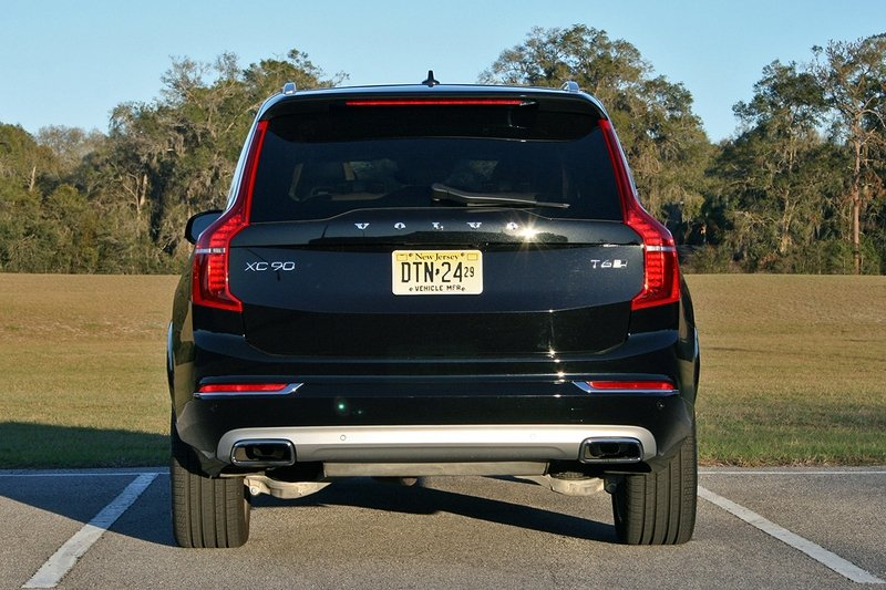 2017 Volvo XC90 T6 AWD Inscription – Driven High Resolution Exterior - image 707267