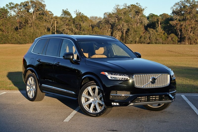 2017 Volvo XC90 T6 AWD Inscription – Driven High Resolution Exterior - image 707270