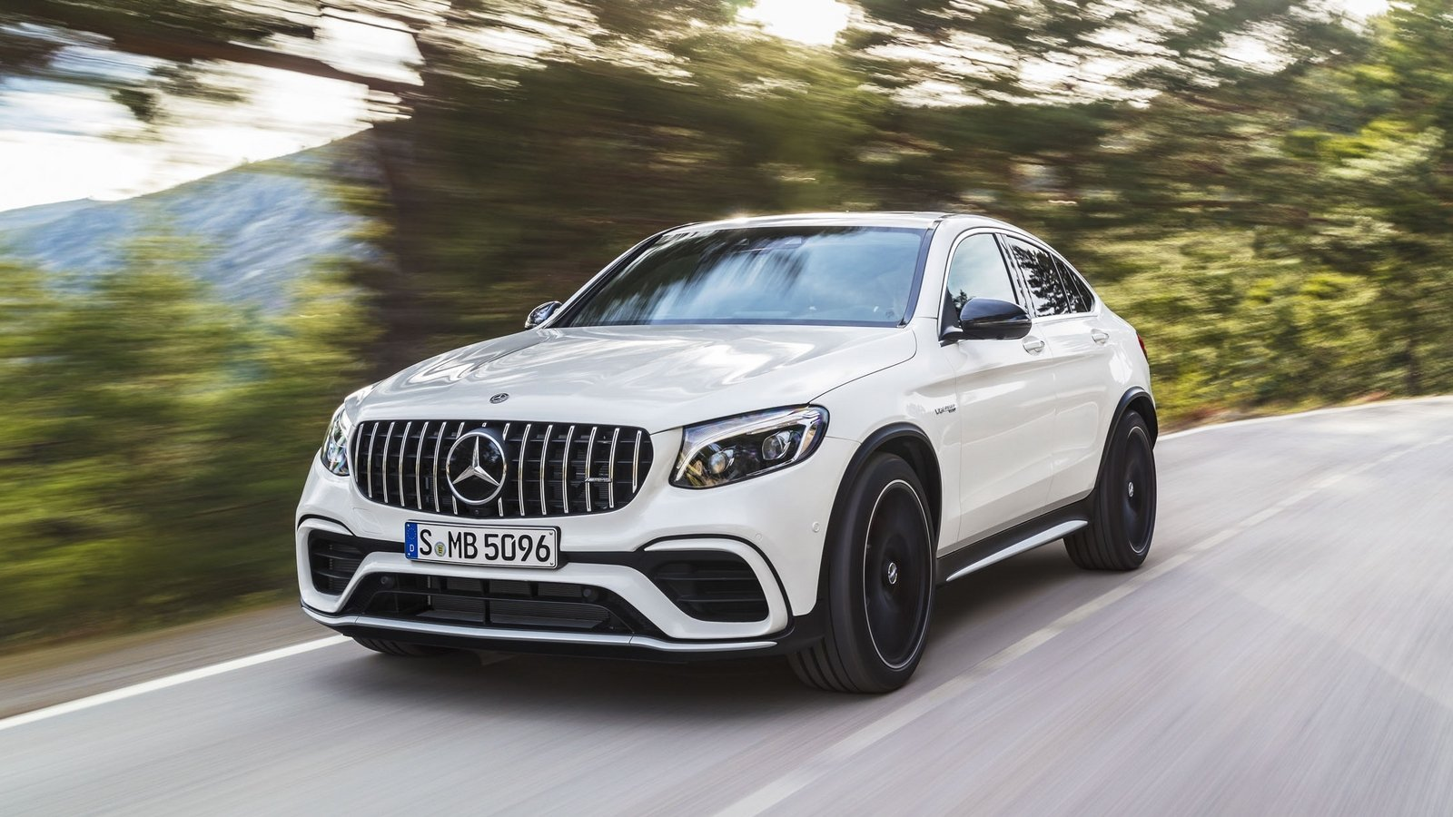 2018 mercedes amg glc63 coupe top speed. Black Bedroom Furniture Sets. Home Design Ideas