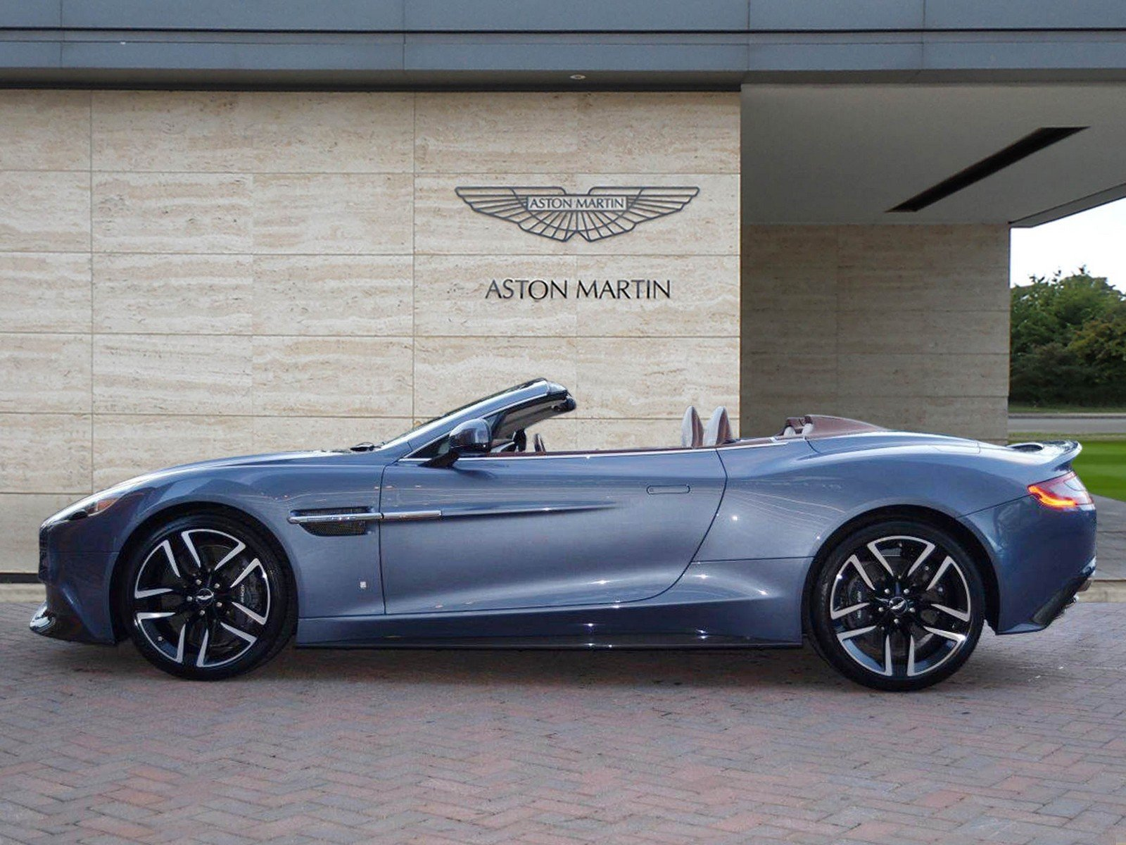 aston martin builds unique yacht inspired vanquish volante costs as much as a yacht picture. Black Bedroom Furniture Sets. Home Design Ideas