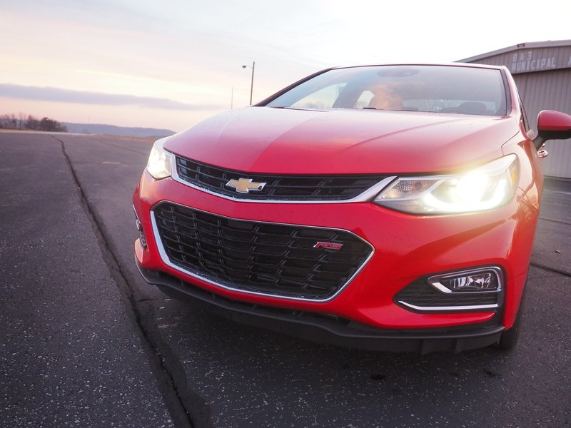 2017 Chevrolet Cruze RS - Driven Exterior High Resolution - image 714706