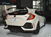 Honda Civic Type R Puts On White Suit, Comes to America - image 713403