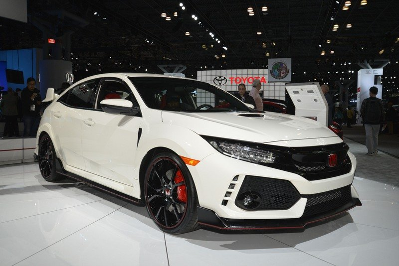 Honda Civic Type R Puts On White Suit, Comes to America High Resolution Exterior AutoShow - image 713398