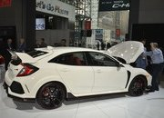 Honda Civic Type R Puts On White Suit, Comes to America - image 713394
