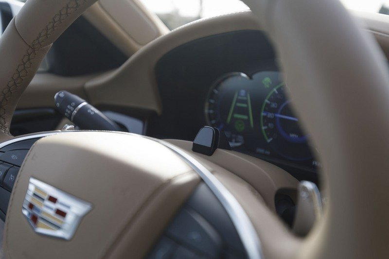 Hands-Free, Semi-Autonomous Driving from... Cadillac?? High Resolution Interior - image 712487