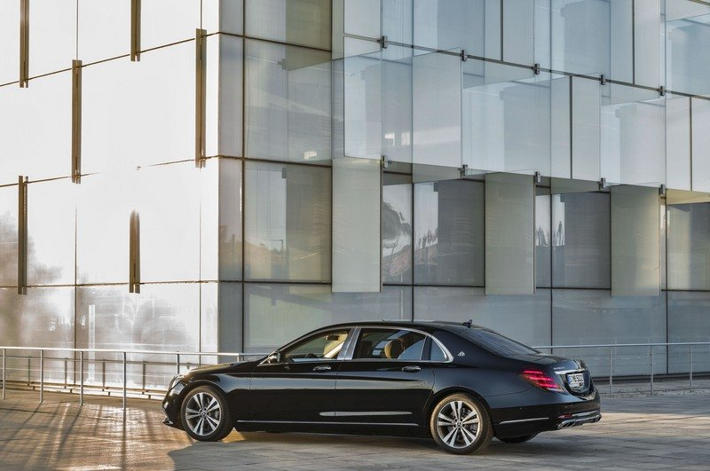 The Mercedes S-Class Gets the Facelift it Deserves in Shanghai