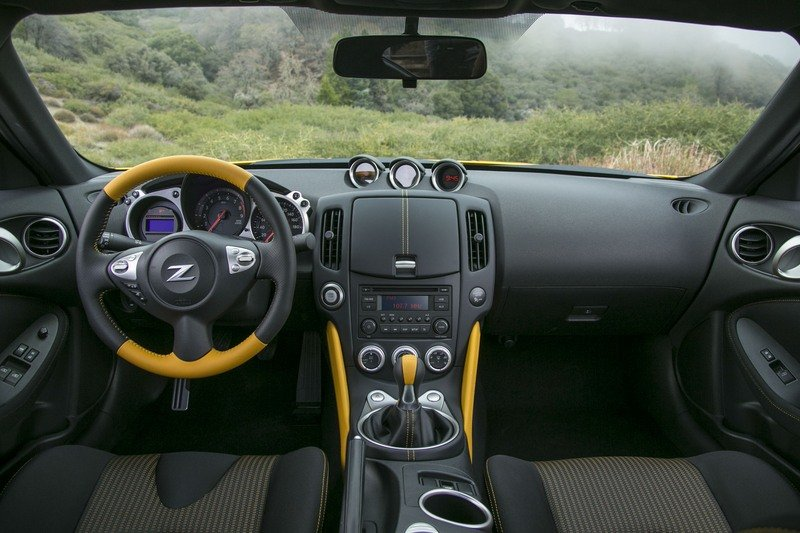 Seriously, Nissan? Give us a New Freaking Z-Car Already!!! High Resolution Interior - image 712023