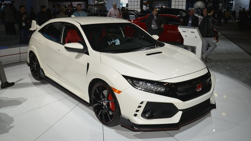Honda Civic Type R Puts On White Suit, Comes to America