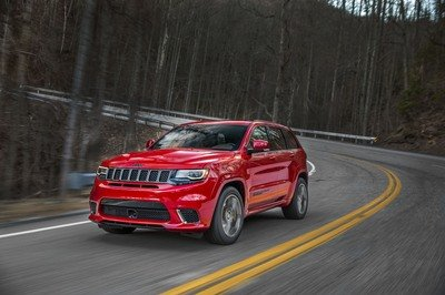 The Jeep Grand Cherokee Trackhawk Is Big And Dumb And Pointless And I Really Want To Drive It - image 713066