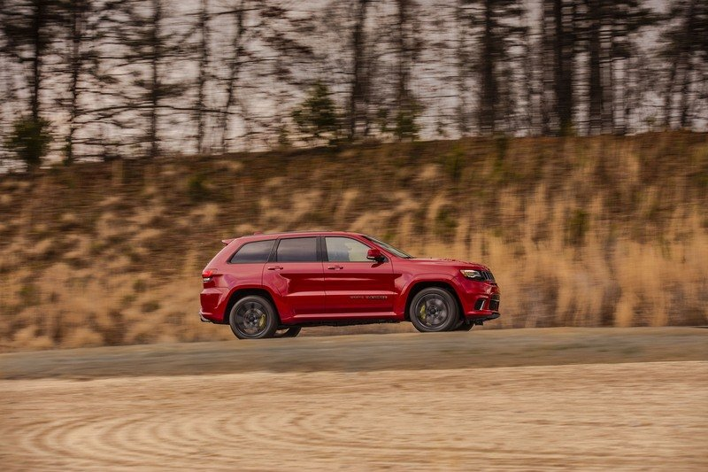 The Jeep Grand Cherokee Trackhawk Is Big And Dumb And Pointless And I Really Want To Drive It