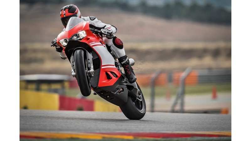 2017 Ducati 1299 Superleggera - image 716842