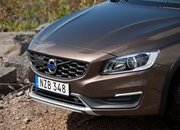 2015 Volvo V60 Cross Country - image 716023