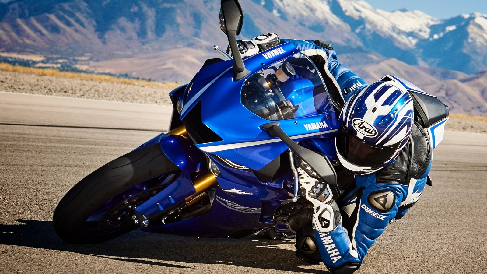 2017 2018 Yamaha Yzf R6 Pictures Photos Wallpapers And Video