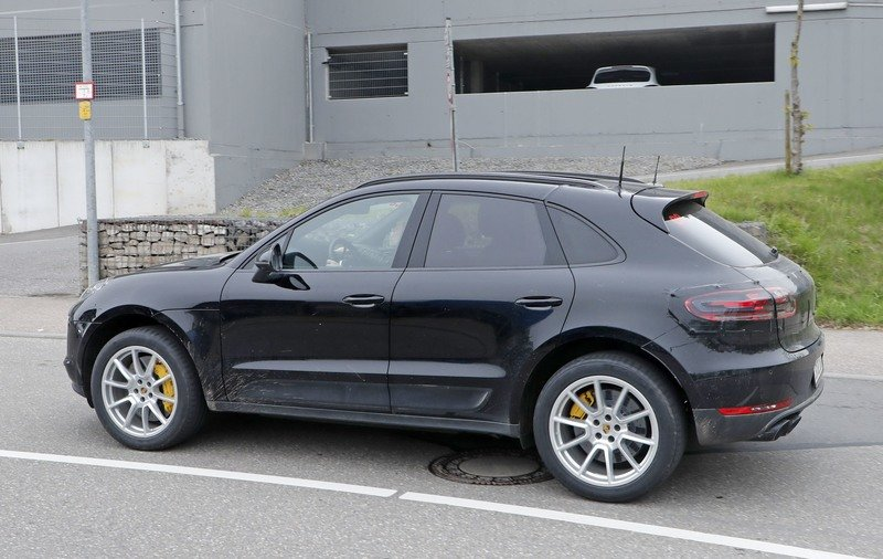 2019 Porsche Macan Top Speed