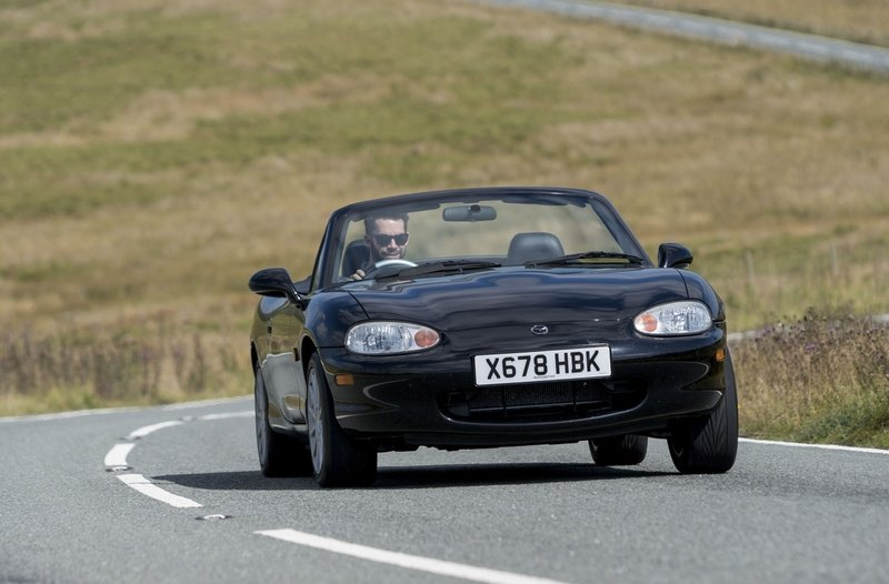 Attack of the Coupes: Subaru BRZ vs Mazda MX-5 Miata RF - image 716216
