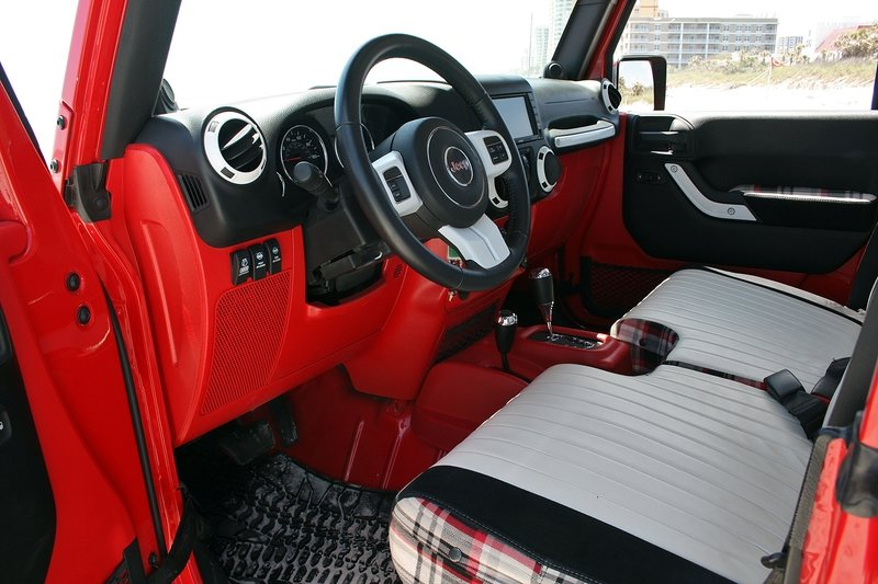 Quick Drive: Jeep J-12 Concept Interior High Resolution - image 715066