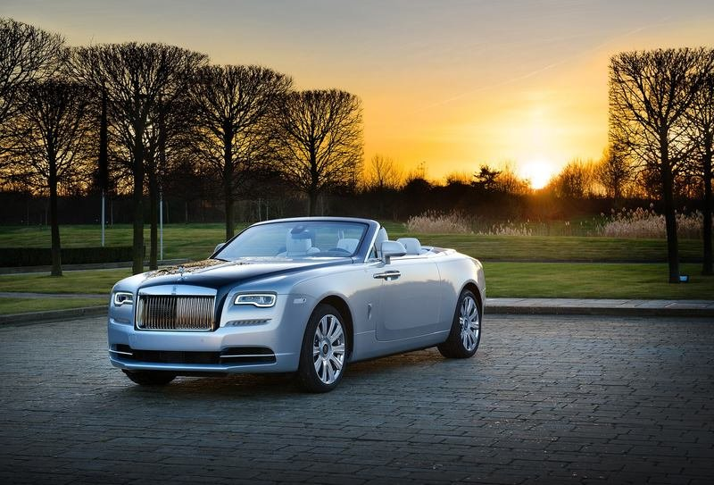 2017 Rolls-Royce Dawn Inspired by Pearling Tradition
