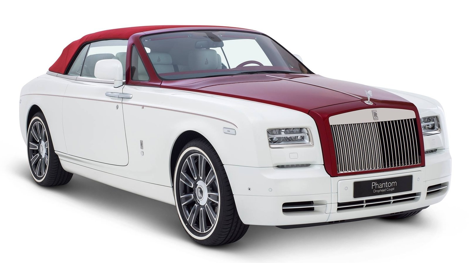 2017 rolls royce phantom drophead coupe inspired by desert rose review gallery top speed. Black Bedroom Furniture Sets. Home Design Ideas