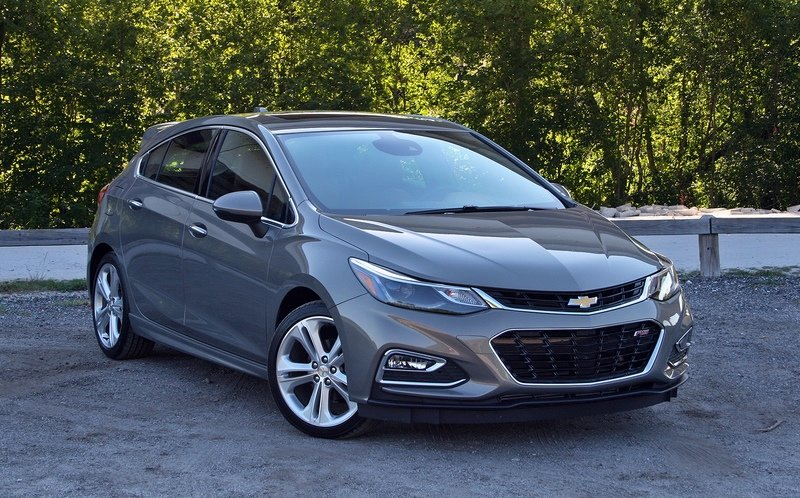 The 2017 Chevy Cruze Hatch is Better than a Crossover