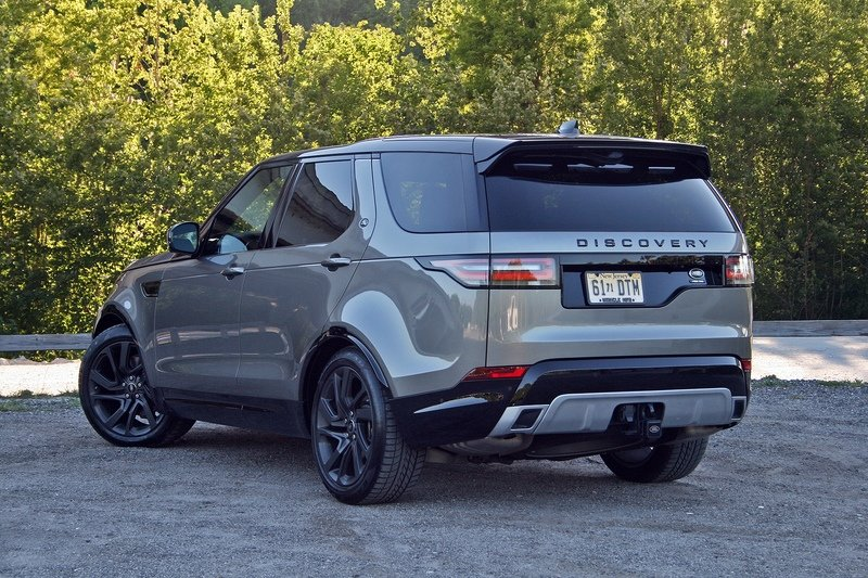 The 2017 Land Rover Discovery Drives More Like a Range Rover