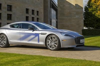 Aston Martin Reveals the 800-Volt Battery for the Upcoming 2019 RapidE