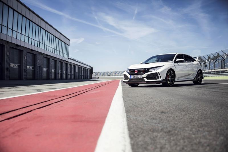 Wallpaper of the Day: 2017 Honda Civic Type R