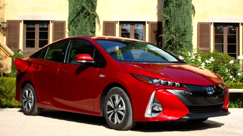 2017 Toyota Prius Prime – Driving Impression And Review - image 719136