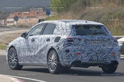 2018 Mercedes-AMG A40 - image 719230