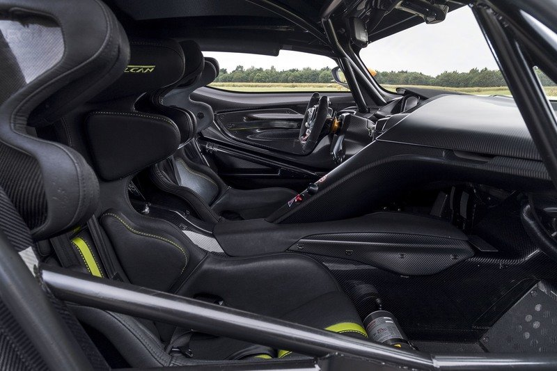 2018 Aston Martin Vulcan AMR Pro Interior High Resolution - image 721706