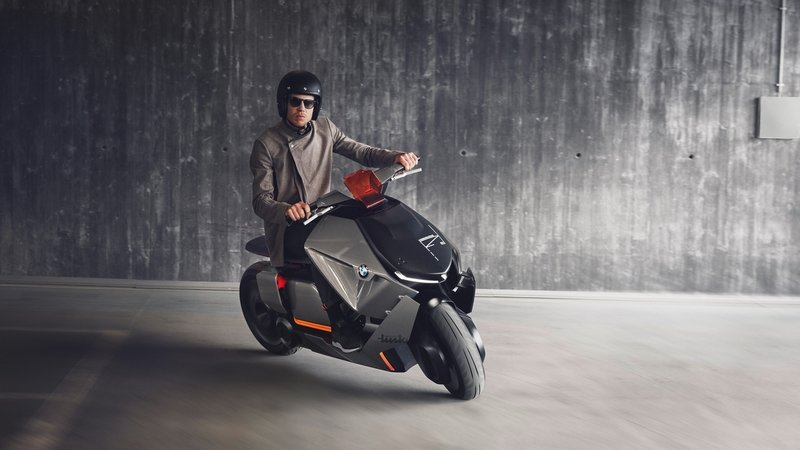BMW Unveils Concept Link - Honda Hints at Electric Scooter for 2018 - image 719846