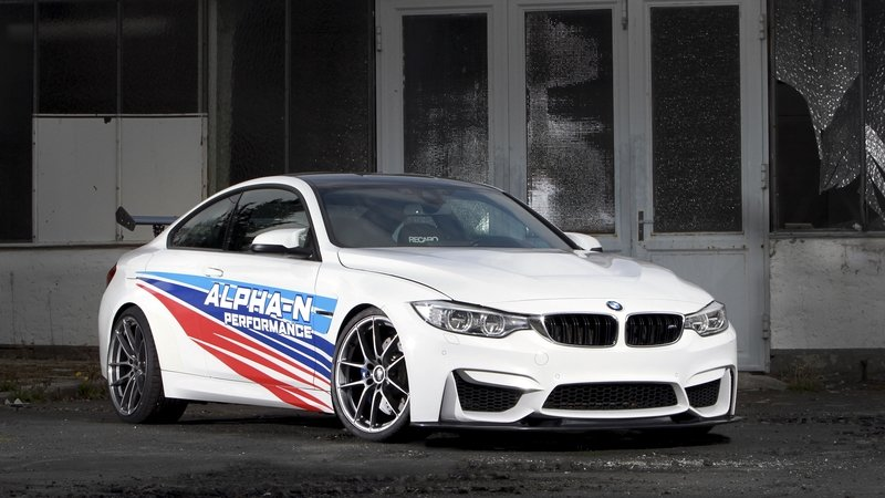 bmw m4 reviews specs prices photos and videos top speed. Black Bedroom Furniture Sets. Home Design Ideas