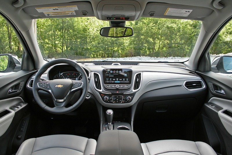 2018 Chevrolet Equinox – Driven Interior High Resolution - image 720287