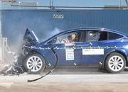 2017 Tesla Model X Gets 5-Star Crash Rating From NHTSA - image 720327
